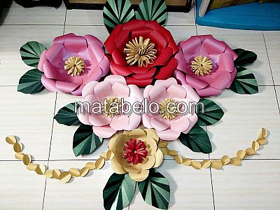 PAPER FLOWER BACKDROP 2