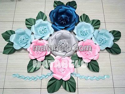 PAPER FLOWER BACKDROP 13